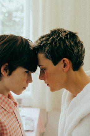 Powtórka do matury z FILMEM W SZKOLE: motyw rodziny. Dziewięć filmowych tytułów, które możesz wykorzystać na egzaminie!
